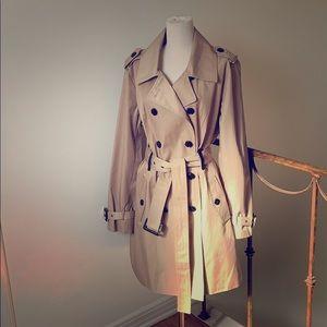 Michael Kors Trenchcoat/Raincoat - like new!!